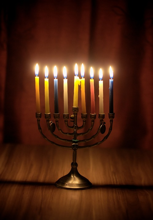 Connection between gambling and Hanukkah