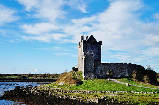 Ireland, Galway, Dunguaire, Castle, Sea