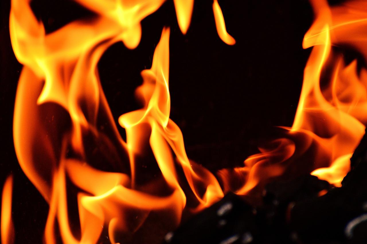 На пожаре в Советском районе спасены мать с двумя детьми
