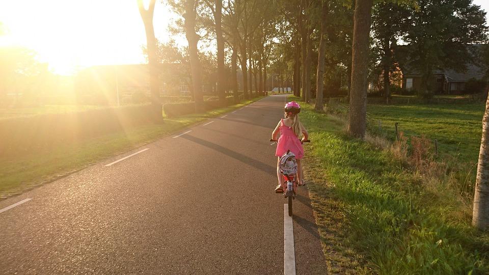 Tyttö, Ratsastus, Polkupyörä, Koulu, Ratsastaa