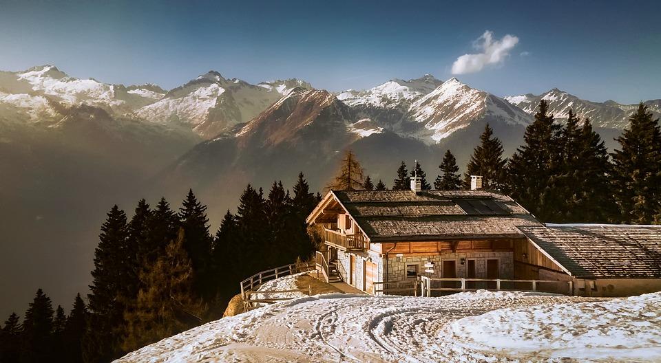 Дом горах италия
