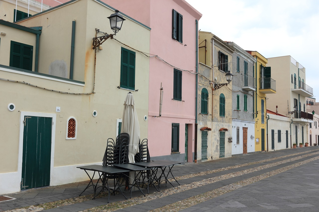 the architecture of alghero italy Further examples of the civil architecture of this period are the house of eleonora in oristano and the bishop's palace of iglesias sassari (1577) in the 18th century were built various military works especially in alghero and cagliari.
