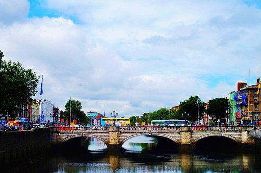 Puente O'Connell, Río Liffey