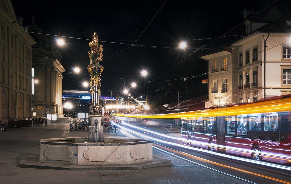 Kindlifresser Szökőkút, Bern, Busz, Éjszaka