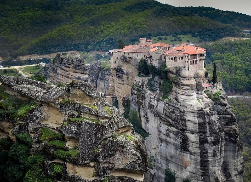 Resultado de imagen de monasterios de meteora