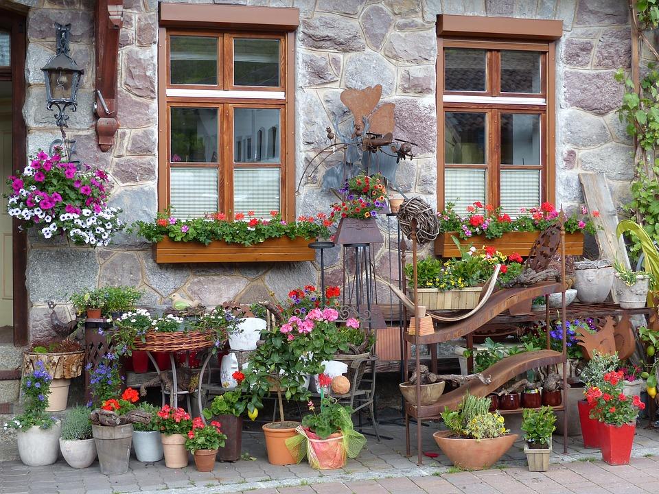 Fenster Blumen Fensterladen Kostenloses Foto Auf Pixabay