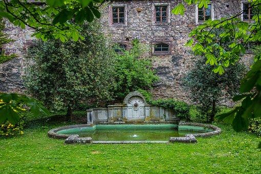 Baden Baden, Castle, New Castle