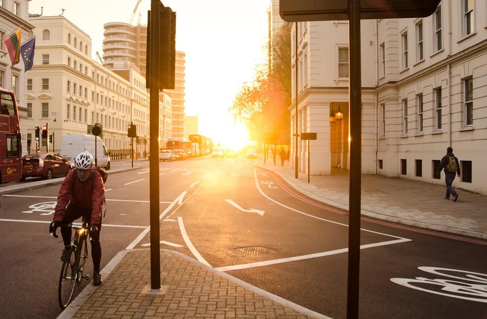 朝、黄金の太陽、黄色、太陽、都市、都市