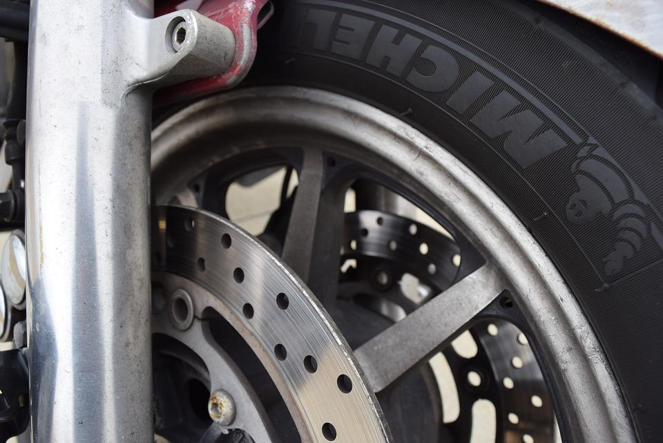 motorcycle axel cruiser michelin