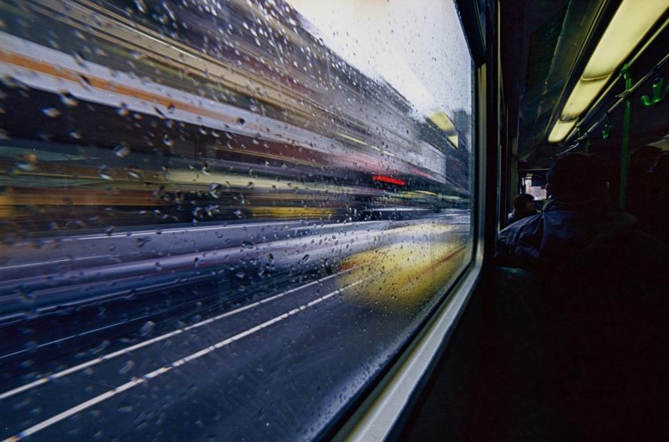 전송, 모호한, 움직이는, 전차, 버스, 도시의, 거리, 흐리게, 운동, 도시, 수송, 차량, 속도