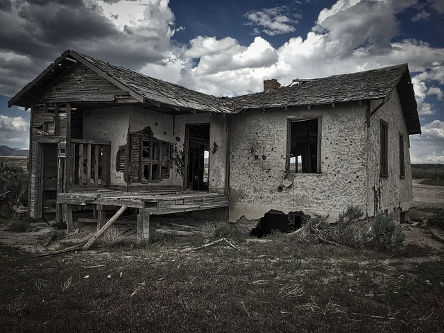 Free photo abandoned house old house free image on for Classic houses images