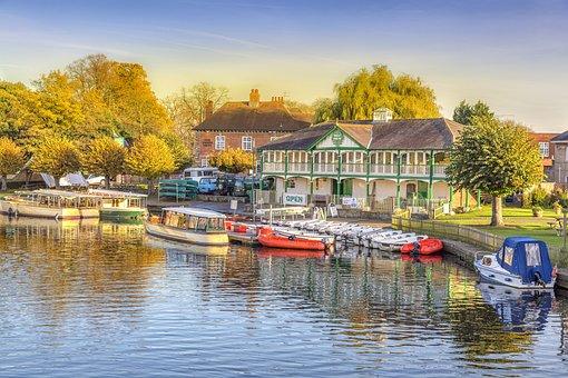 Stratford Upon Avon, Les Bateaux, Barges