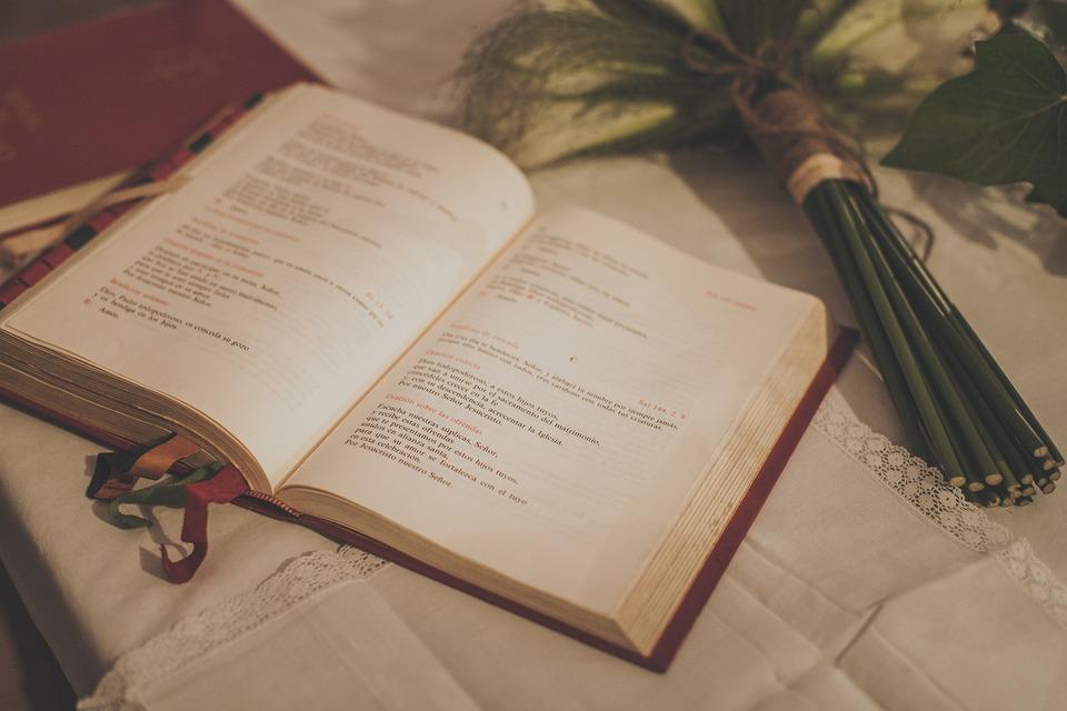 El Matrimonio Santa Biblia : Santa biblia de la boda flores el foto gratis en pixabay