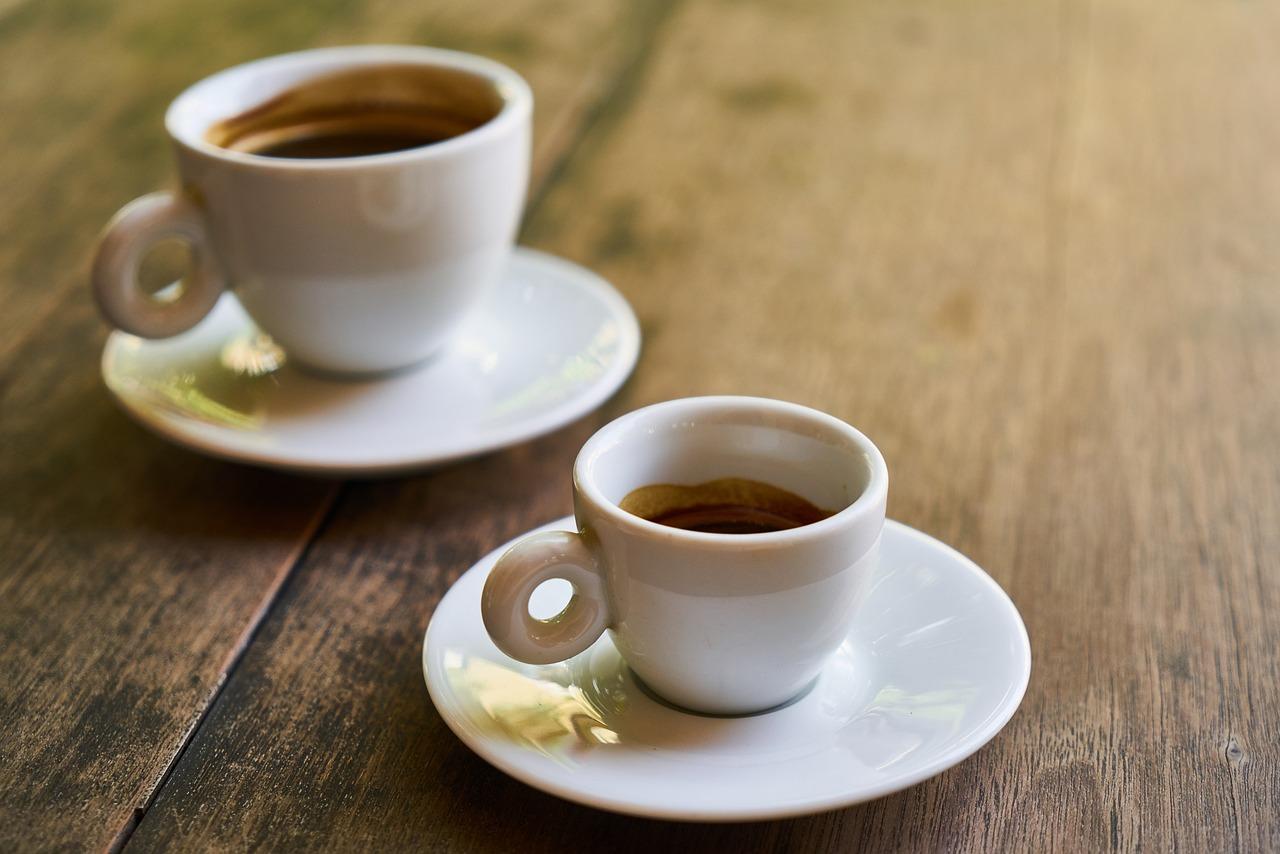 людей стараются картинка с кружкой чая или кофе пространстве музея
