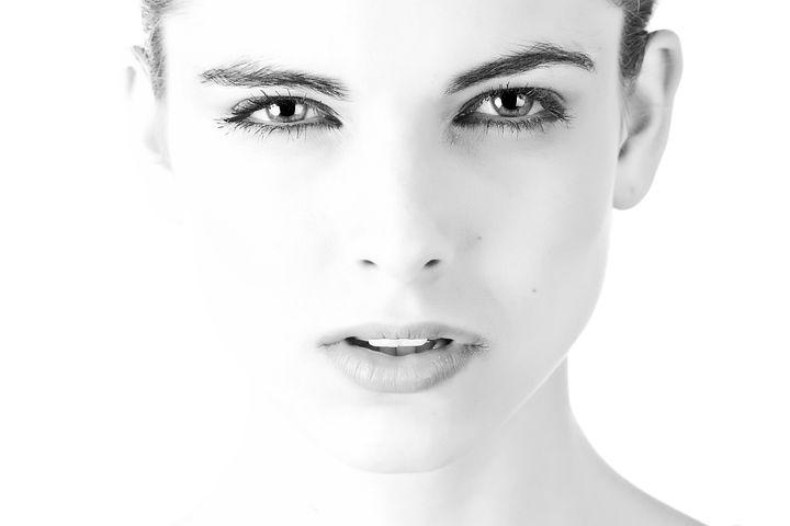 女性, 顔, 肖像画, モデル, 皮膚, 化粧, 若い女性, クローズ アップ|Emotifエモーティフスタジオ|都内品川区五反田の格安真っ白スタジオ