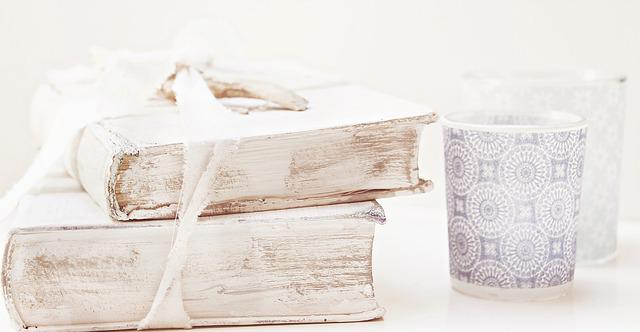 Free photo books old books shabby chic free image on for Deco shabby chic en ligne