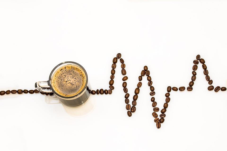 コーヒーカップ, コーヒー, カップ, コーヒー豆, 心電図, コーヒーの泡, 選私, ドリンク, 覚醒剤