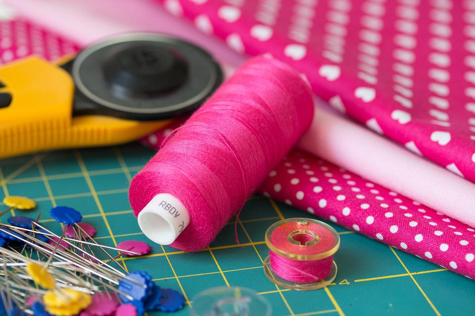 DIY Cord Keeper | Easy Sewing Projects You Can Give As Gifts For Your Teens