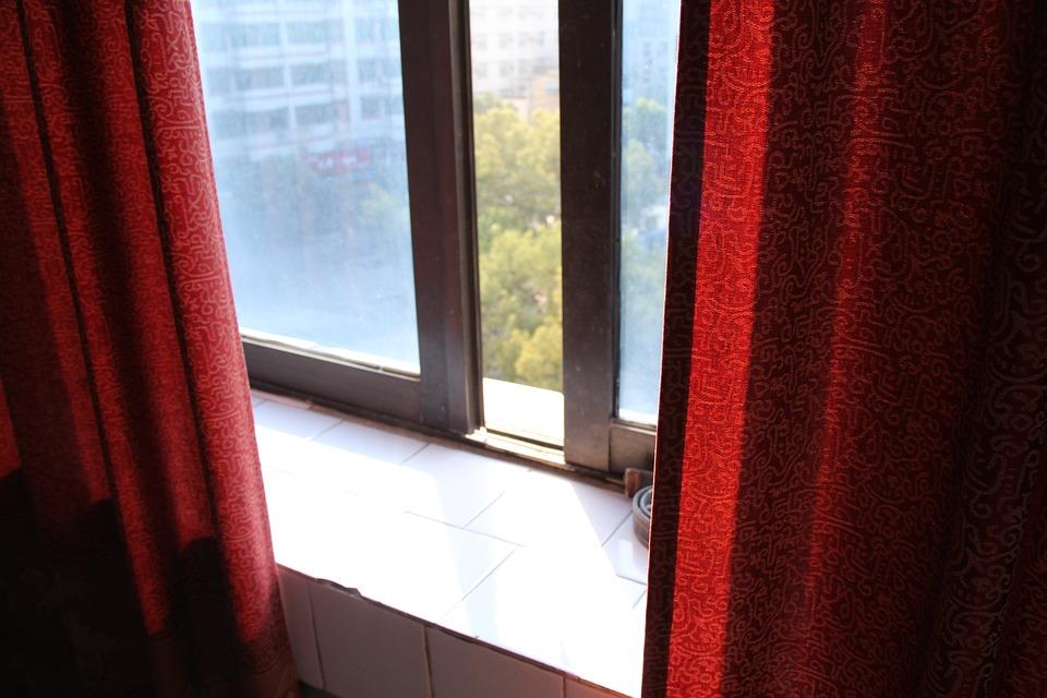 Tende Per Finestra Balcone : Tende finestra · foto gratis su pixabay