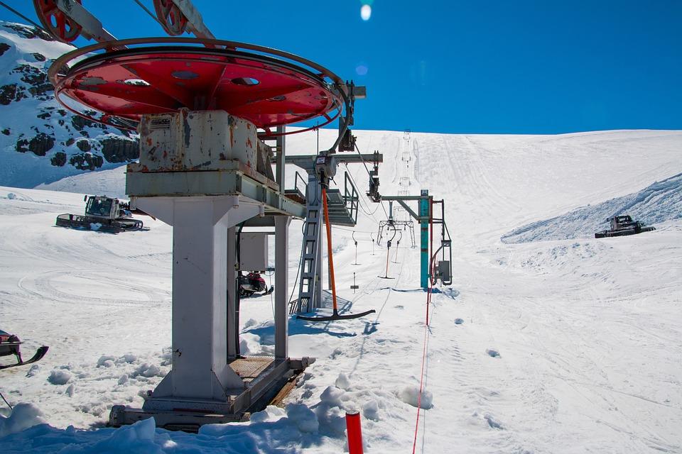 ski-lift-2322974_960_720.jpg