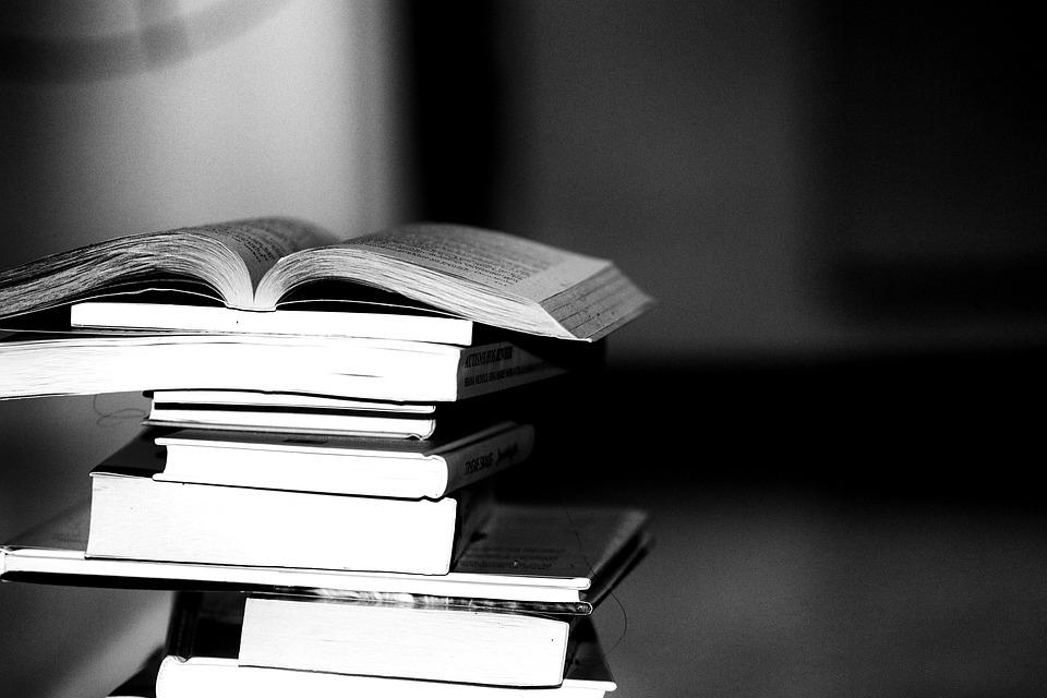 Buku membaca pengetahuan · foto gratis di pixabay