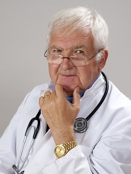 An old doctor as image of experience as part of 22 reasons why people read blogs