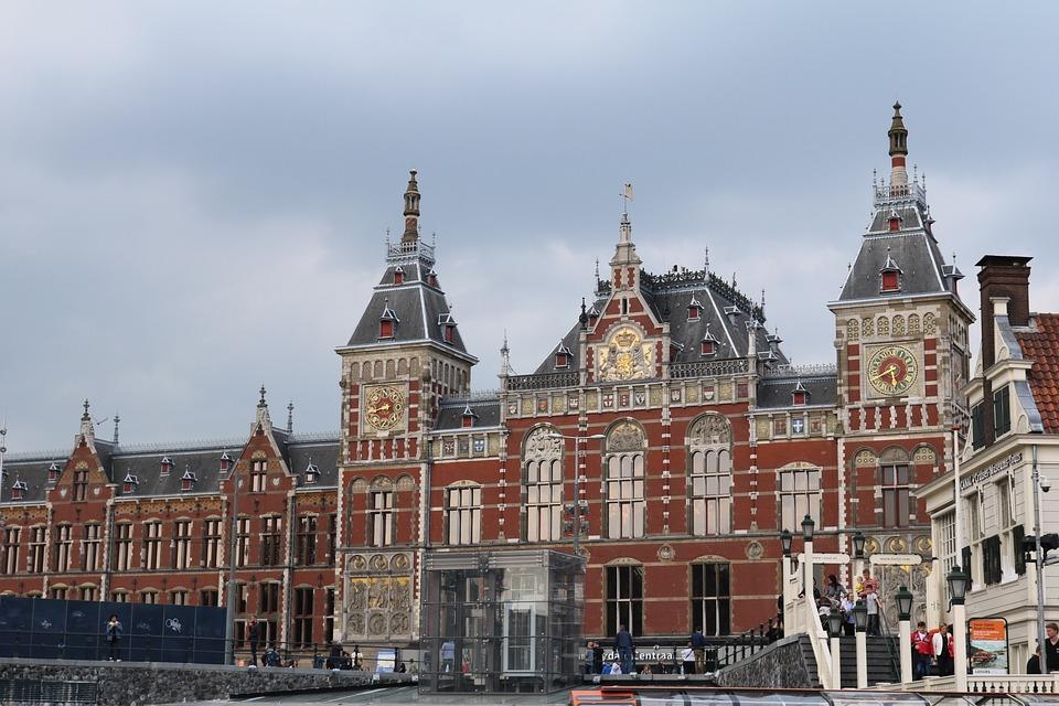 Foto gratis stazione ferroviaria di amsterdam immagine for Hotel amsterdam stazione
