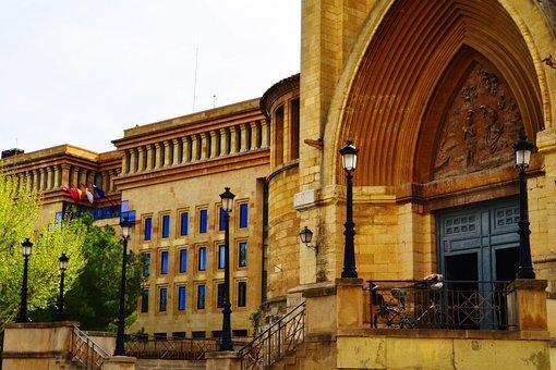 Fachada y Puerta Catedral de San Juan de Albacete