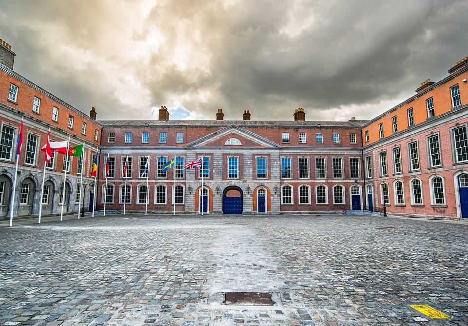 kostenloses foto dublin burg irland reisen kostenloses bild auf pixabay 2344392. Black Bedroom Furniture Sets. Home Design Ideas