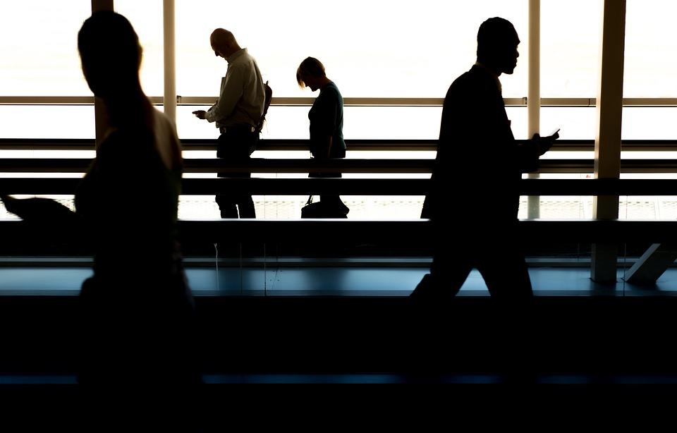 人, 徒歩, 空港, ゲート, キャッチ, 平面, 飛行機, 歩く人, ビジネス, グループ, 市, ポート