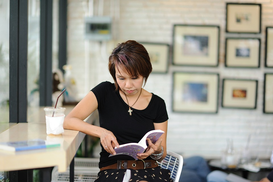 read woman reading free photo on pixabay