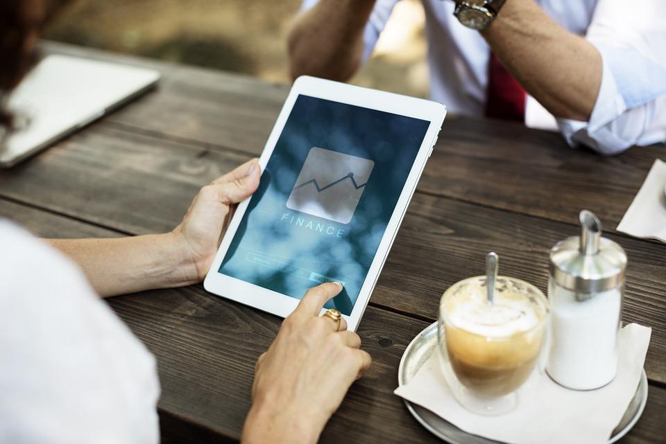 Gunakan gadget jika diperlukan dalam rapat