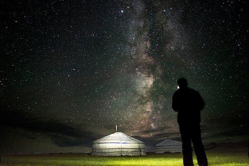 camping-under-sky