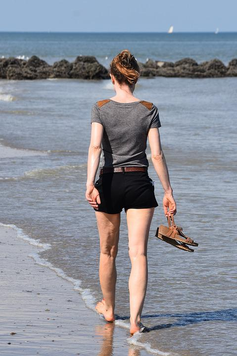 mujer senderismo personas a foto gratis en pixabay