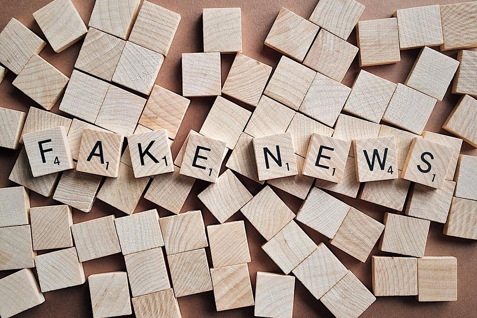Twitter Fake news - recurpost - social media scheduler