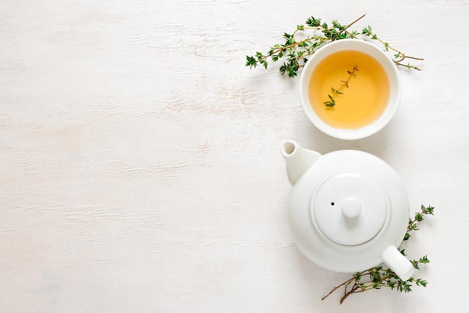 お茶, 飲む, 飲料, お茶の時間, 紅茶のカップ, お茶のポット, フラットレイ, コピー スペース