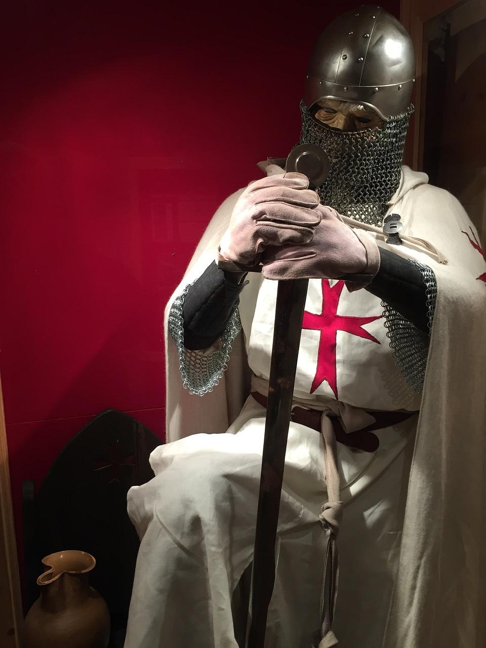 плохо, фотографии рыцарей крестоносцев течёт, всё меняется