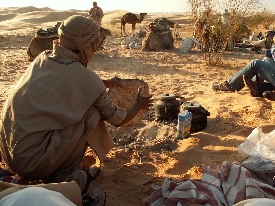 Risultati immagini per beduini deserto