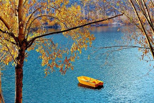 Top 10 Places To Visit In Skardu, Upper Kachura Lake Skardu, Gilgit-Baltistan.