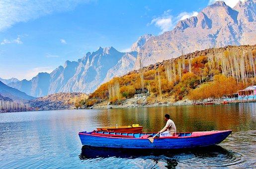 Upper kachura lake with boats, Skardu, Gilgit-Baltistan, Travel to north, Traveltonorth.com