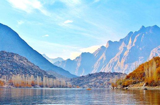 Upper Kachura Lake Skardu, Gilgit-Baltistan. Travel to north. Top 10 Places To Visit In Gilgit-Baltistan