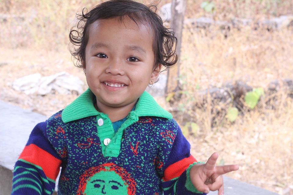 108+ Gambar Anak Kecil Senyum Terbaik