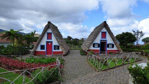 Madeira, Santana, Stroh Haus