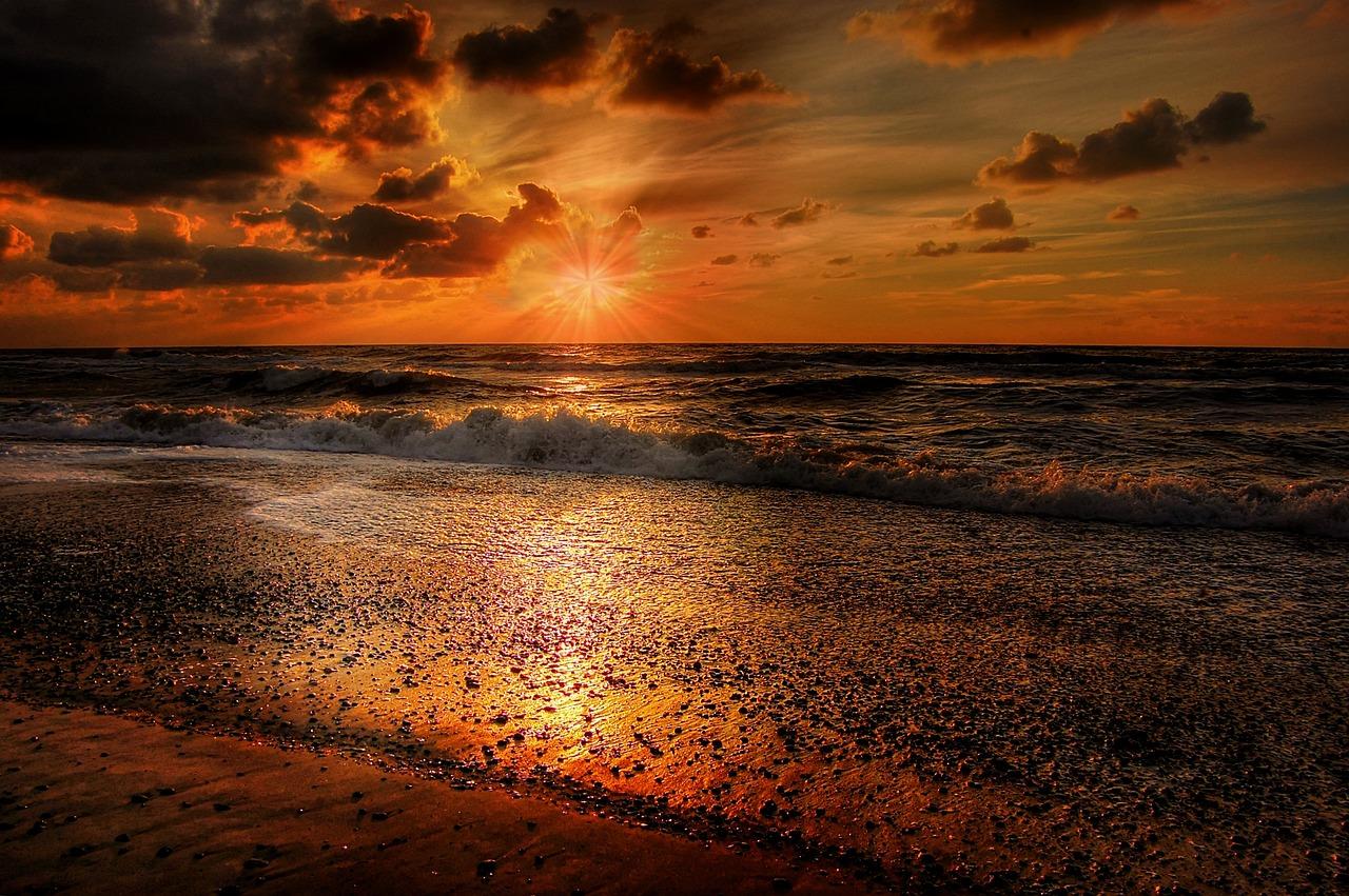 закат на море много фото подвеска повысит уровень