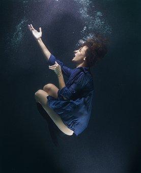 Vedenalainen, Elämä, Sukelluksissa