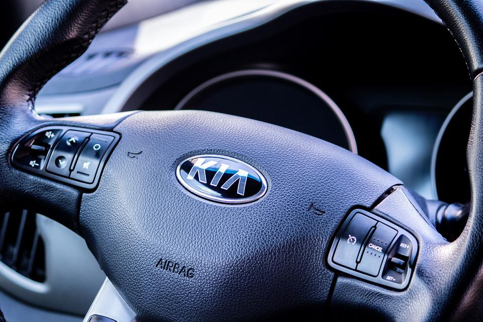 В России больше всего тратятся на машины Kia