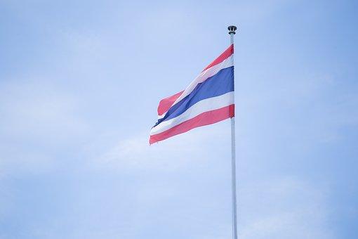 คนไทยยืนเคารพธงชาติครั้งแรก