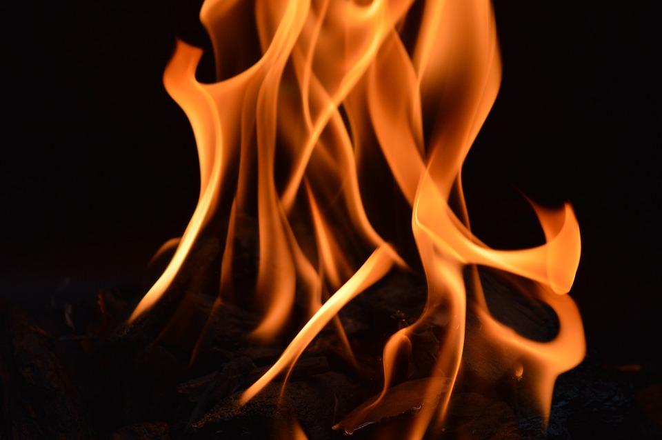 Brand, Vlam, Zuil Van Vuur, Warmte, Branden, Hot