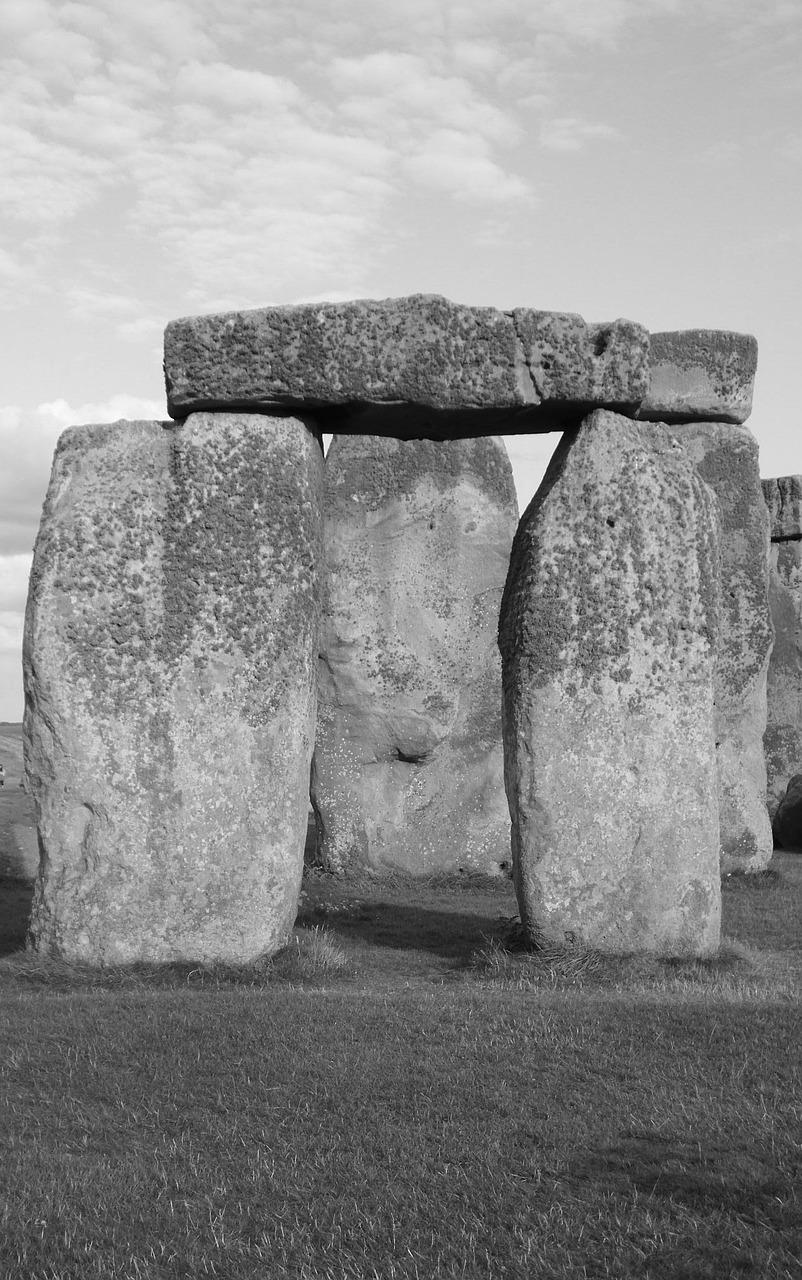 """megalith and stone Megalith means """"huge stone"""" any architecture built with exceptionally large cut stone may be referred to as megalithic generally, however when we use."""
