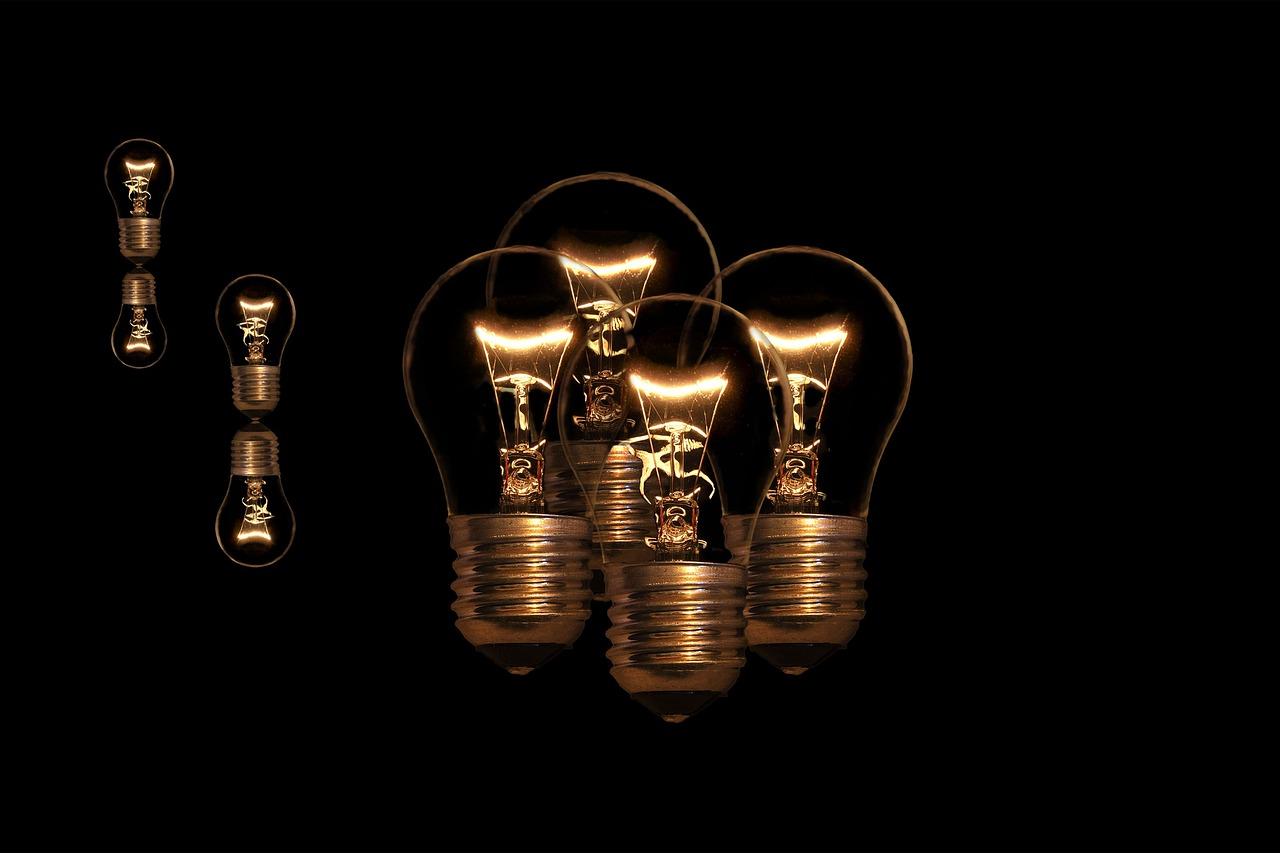Картинка веселые лампочки
